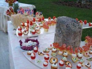 Uno dei fantastici aperitivi a buffet in giardino