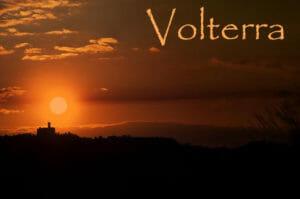 Bel panorama di un tramonto a Volterra