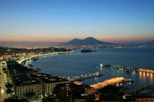 Napoli e il Vesuvio si preparano al capodanno