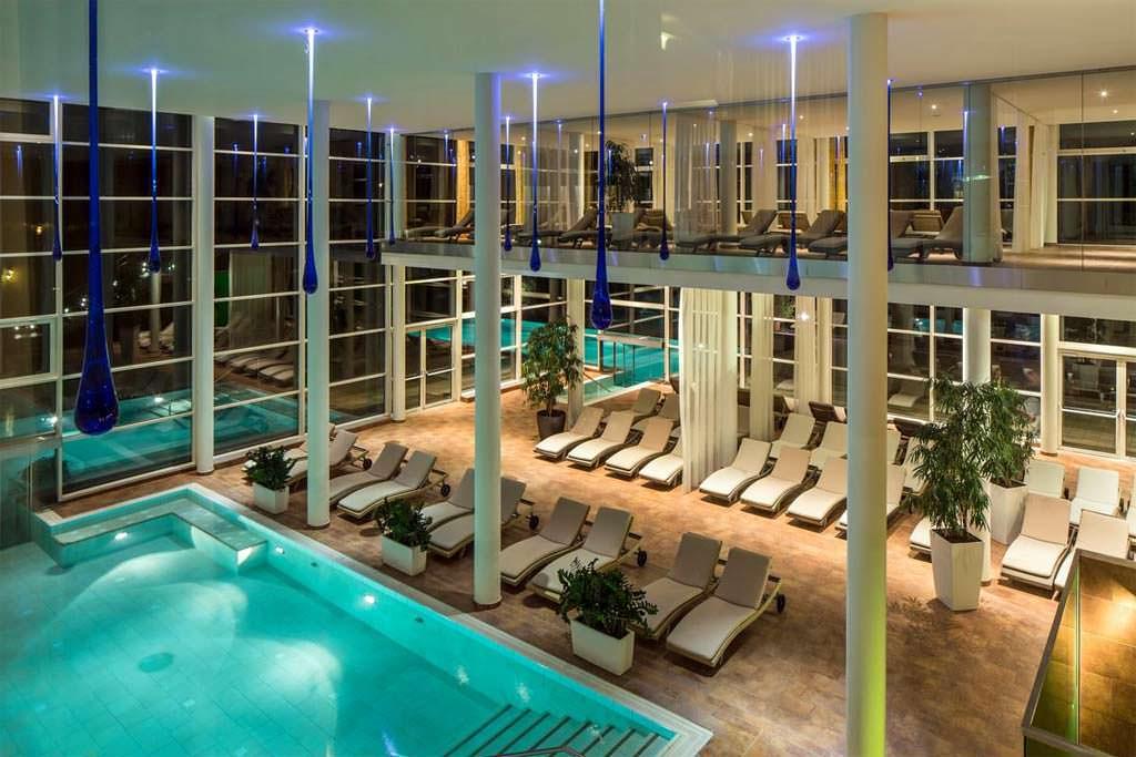 Capodanno negli esclusivi hotel falkensteiner con spa 2019 - Capodanno in piscina ...